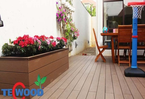 Bồn hoa gỗ